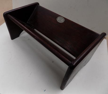 BNWT Pot or Plate Stand Hand Carved /& Inlaid Wooden Trivet
