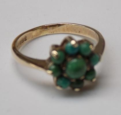 9ct Gold vintage turquoise cluster ring size M