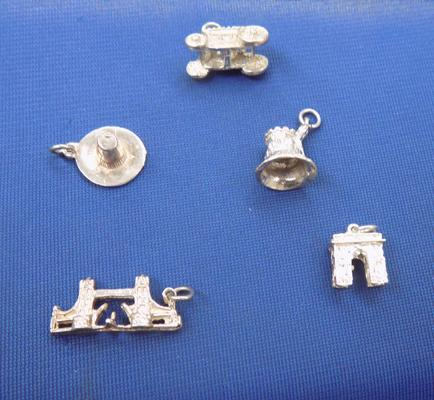 5 solid silver charms incl. London bridge