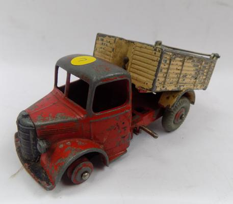Dinky No. 25M, 1950s Bedford tipper