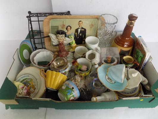 Box of mixed collectables inc Clare china etc