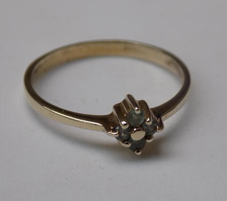 9ct Gold Alexandrite cluster ring size Q1/2
