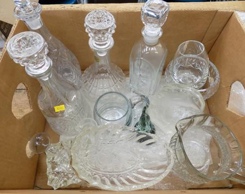 Large box of quality crystal & cut glass in decanters