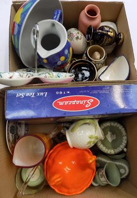 Two boxes of pottery & ceramics