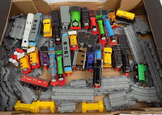 Thomas and Friends ERTL diecast collection & track