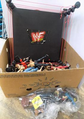 Approx 32 WWE/WCW figures/ring/3 belts/ props & cards