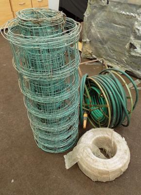 Rolls of wire fencing & hosepipe on reel + spare hose pipe