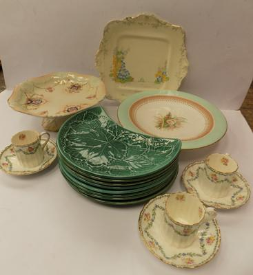 Box of assorted pottery, icl. Wedgwood & Worcester
