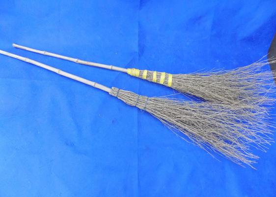 2x Full size vintage brooms