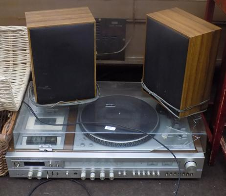 Toshiba retro record player/cassette with speakers