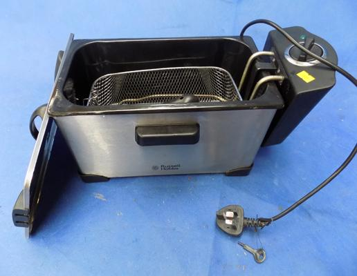 Russell Hobbs deep fat fryer in working order - never used.