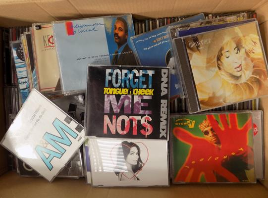 Box of approx. 200 CD's