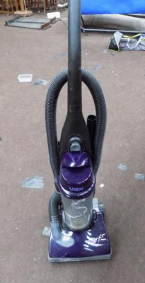 Vax Swift bagless hoover