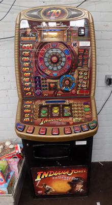 Indiana Jones fruit machine W/O - accepts new pound coins