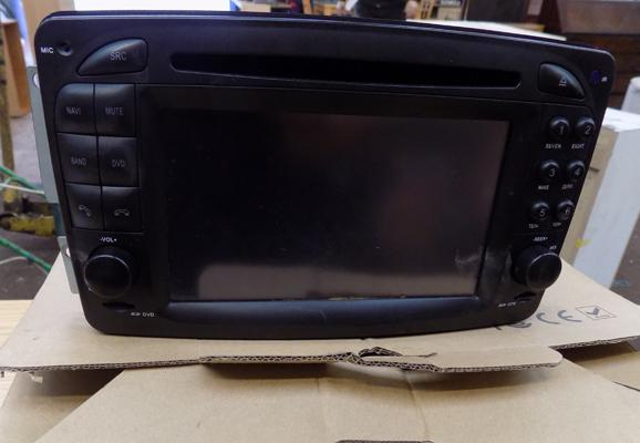 Car centre console-GPS, Ipod, SD card, DVD etc-unchecked