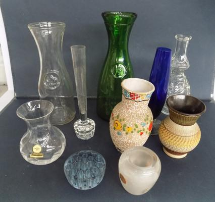 10x Assorted vases inc coloured & lead crystal